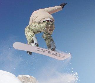 Snowboard Sets enthalten die Grundausrüstung für Snowboarder